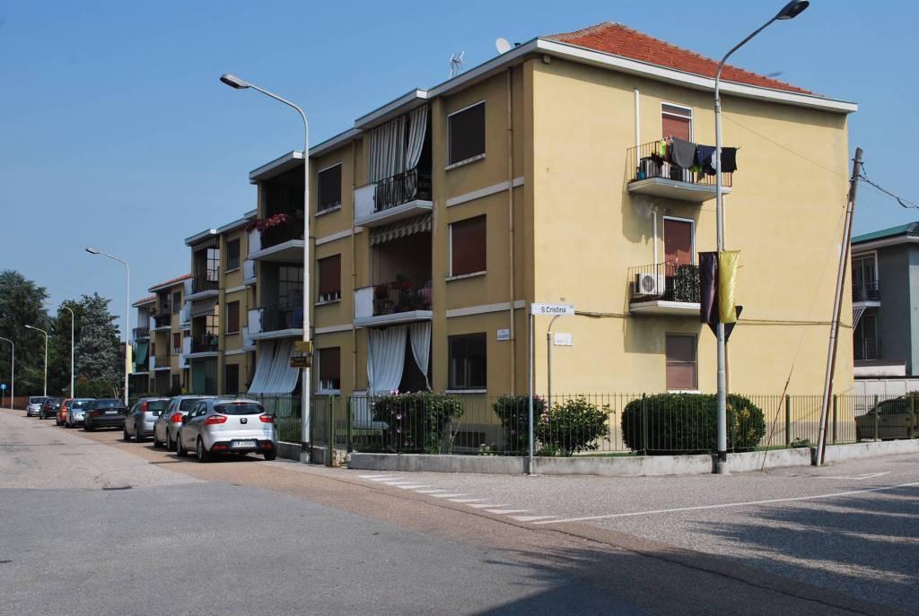Appartamento in buone condizioni parzialmente arredato in vendita Rif. 8590146