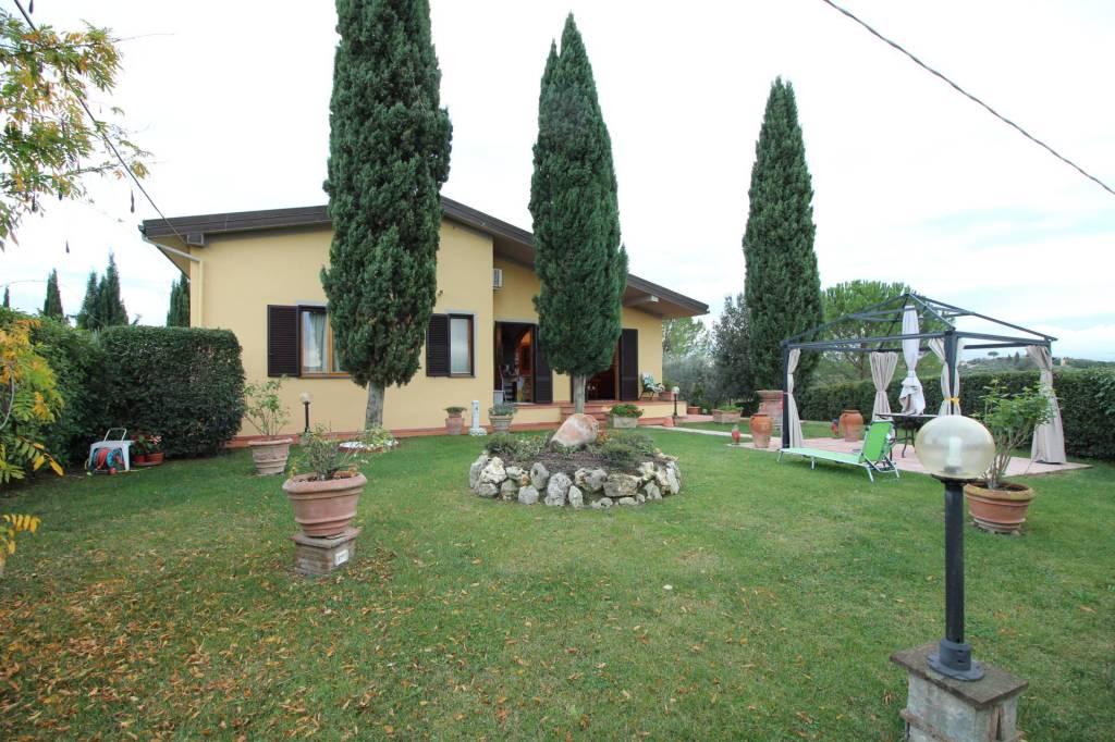 Villa in ottime condizioni in vendita Rif. 8592802
