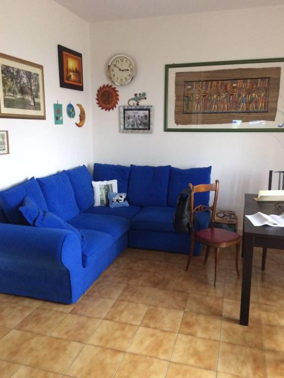 Appartamento in buone condizioni parzialmente arredato in vendita Rif. 8595812