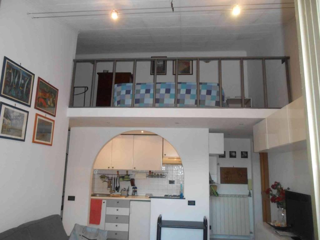 Appartamento in ottime condizioni in vendita Rif. 8594629