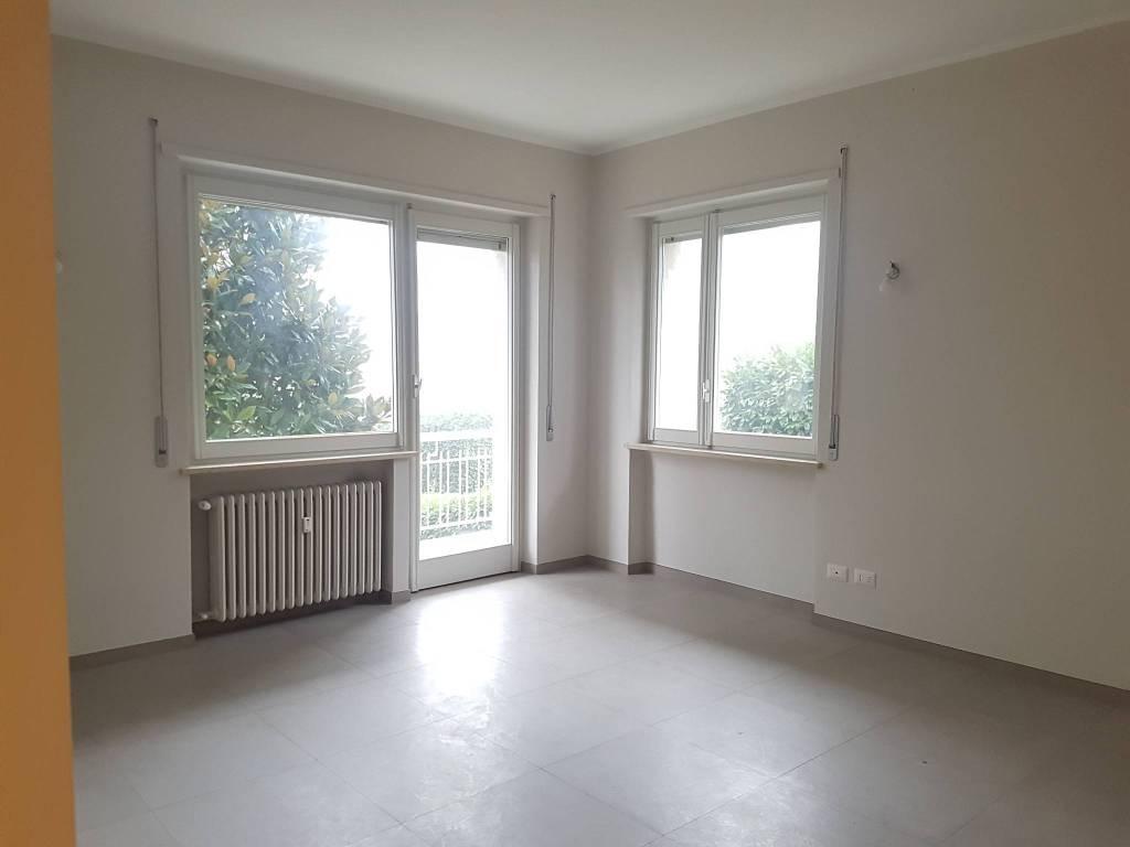 Appartamento in ottime condizioni in affitto Rif. 8589936