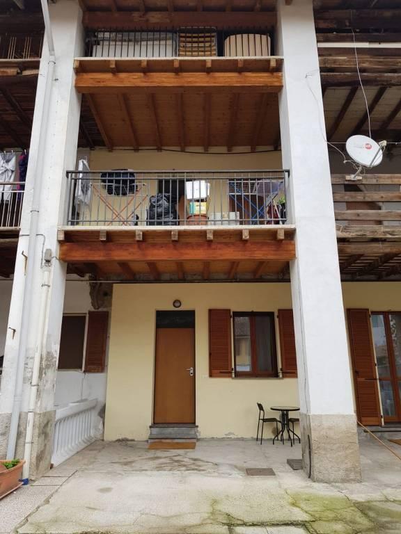 Appartamento in buone condizioni in affitto Rif. 8590293