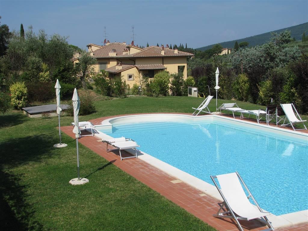 Bolognese, 4 vani con piscina condominiale