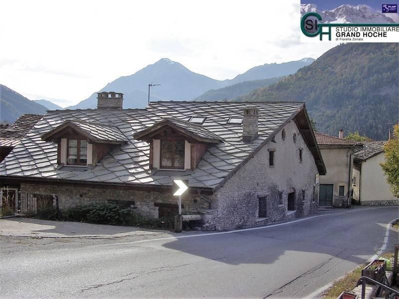 Appartamento in ottime condizioni arredato in affitto Rif. 8590151