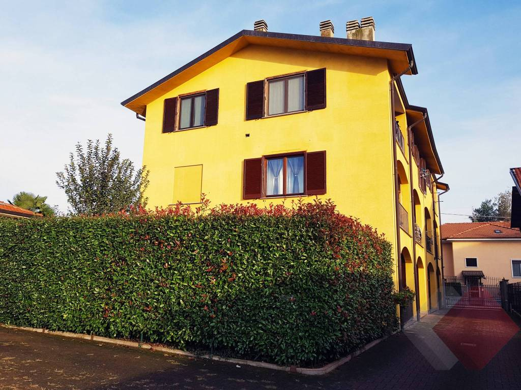 Appartamento in ottime condizioni in vendita Rif. 8591954