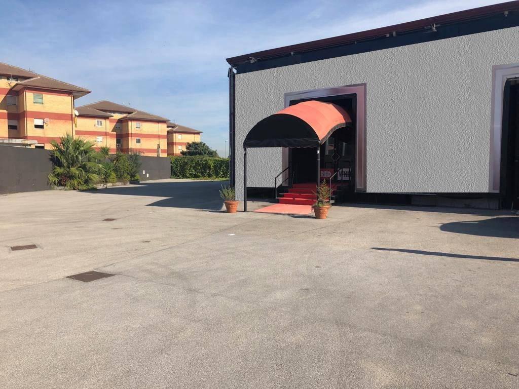 Locale Commerciale mq 230 con ampio parcheggio Rif. 8596942
