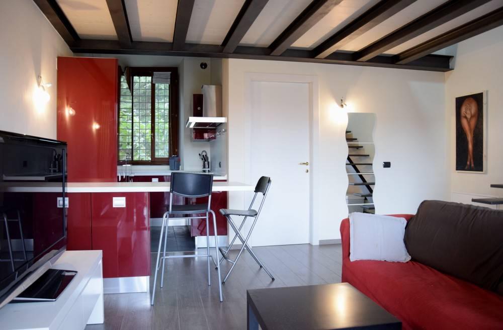 Appartamento in ottime condizioni in vendita Rif. 8589960