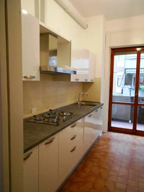 Appartamento in buone condizioni arredato in affitto Rif. 8589910