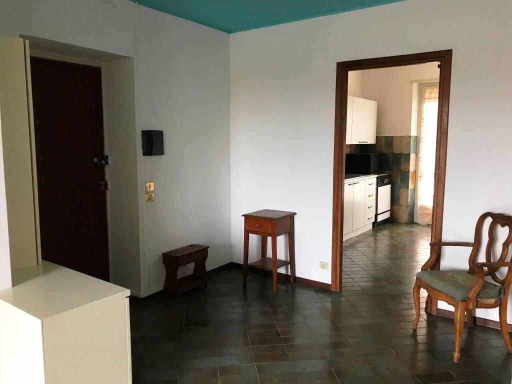 Appartamento in buone condizioni arredato in affitto Rif. 8590520