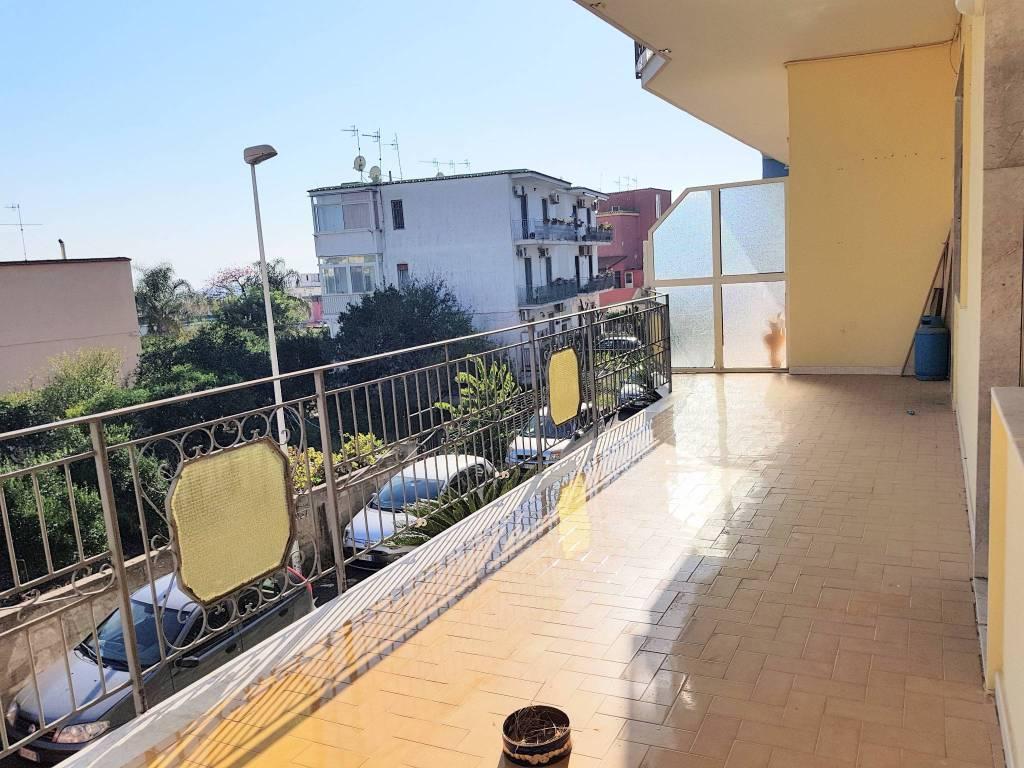 Appartamento in buone condizioni in vendita Rif. 8596957