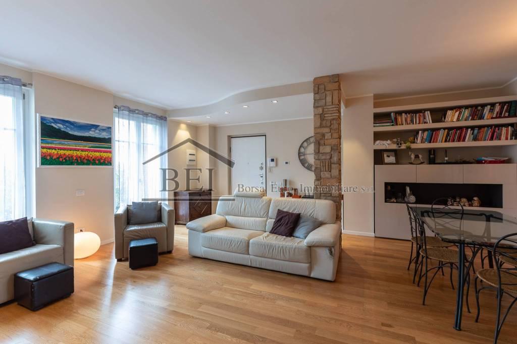 Appartamento in ottime condizioni in vendita Rif. 9259161