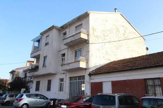 Appartamento da ristrutturare in vendita Rif. 8589818