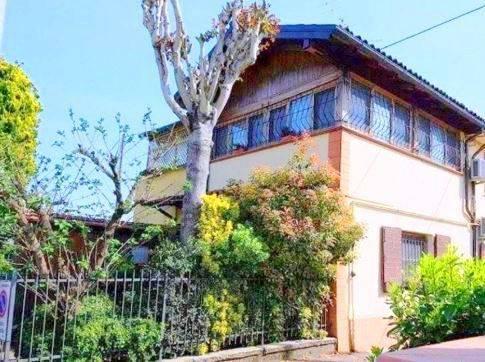 Appartamento in ottime condizioni parzialmente arredato in vendita Rif. 9182740