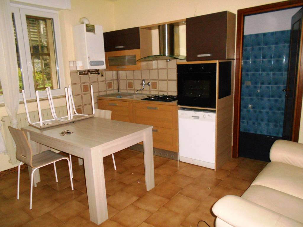 Appartamento in ottime condizioni arredato in affitto Rif. 8590925