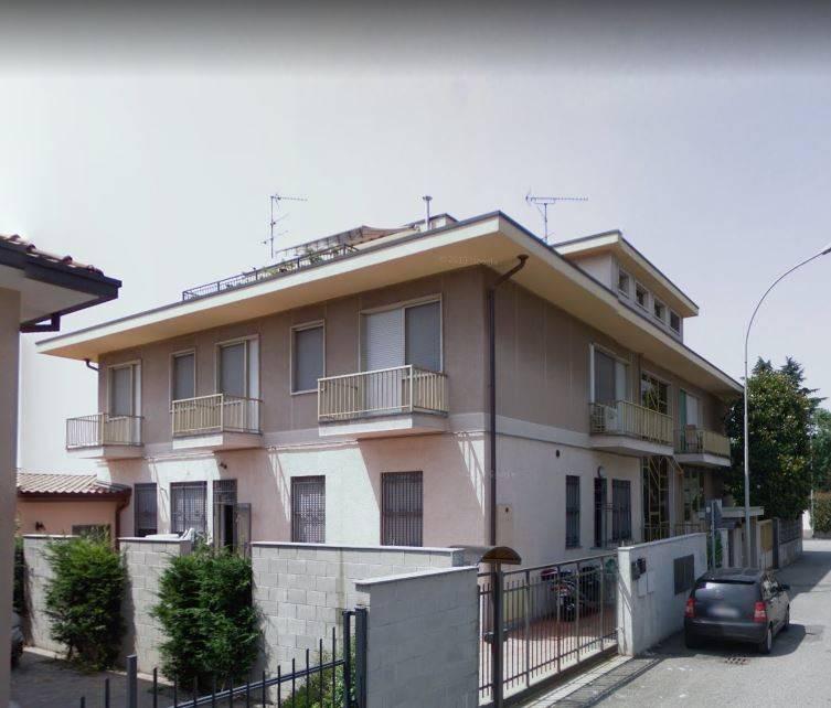 Appartamento in buone condizioni in vendita Rif. 8641033