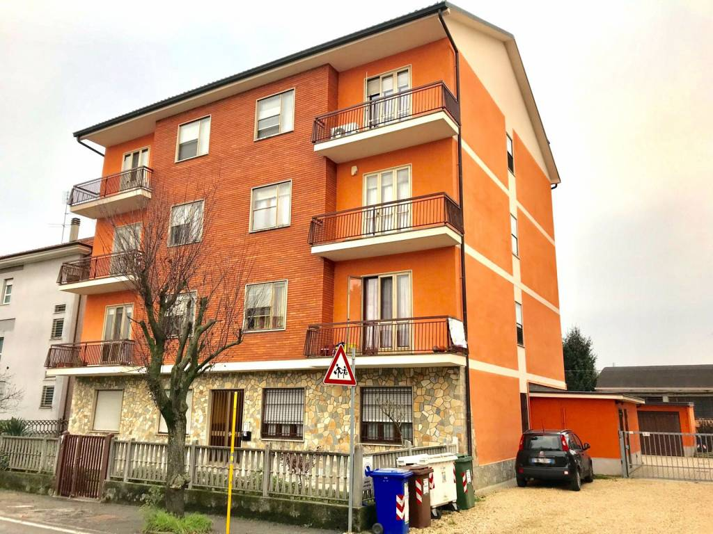 Appartamento da ristrutturare in vendita Rif. 8595219