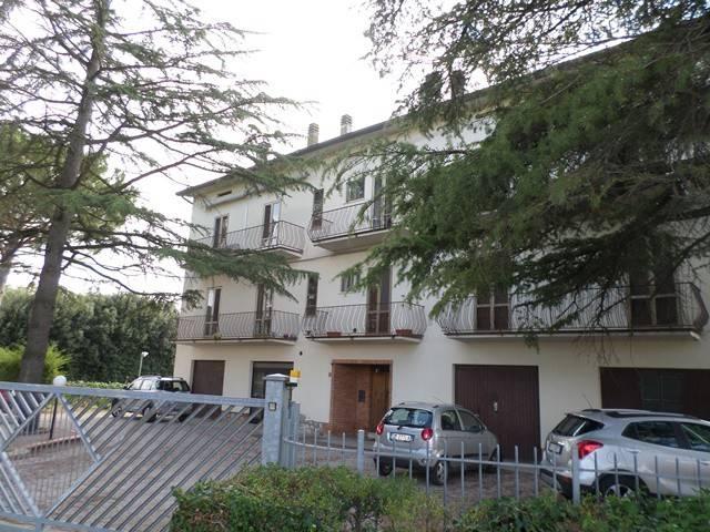 Appartamento in buone condizioni parzialmente arredato in vendita Rif. 8591410
