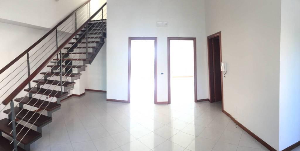 Locale piano terra uso ufficio o studio Rif. 8589780