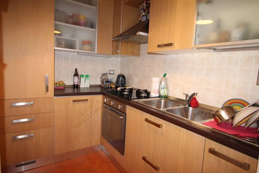 Appartamento in ottime condizioni in vendita Rif. 8595406