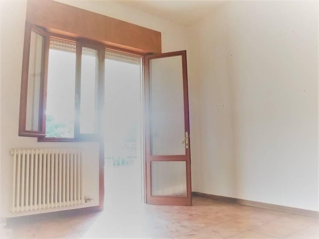 Appartamento in buone condizioni in vendita Rif. 8592810