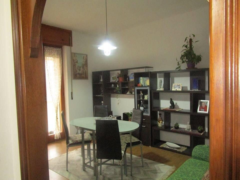 Appartamento in buone condizioni in vendita Rif. 8593563