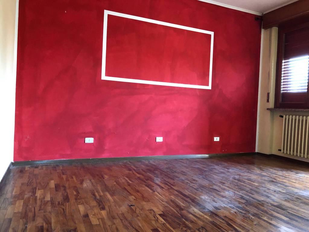 Appartamento in buone condizioni in vendita Rif. 8594421