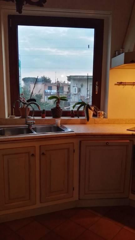 Appartamento in vendita a Pozzuoli, 3 locali, prezzo € 290.000 | CambioCasa.it
