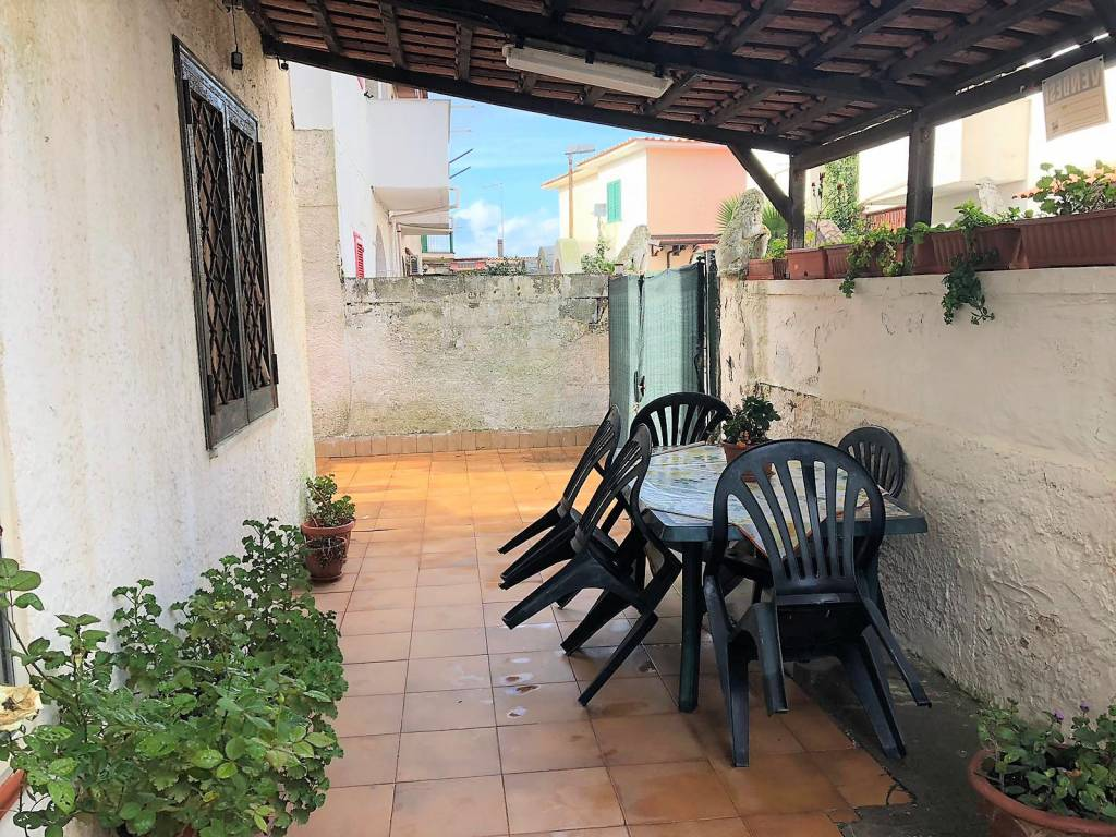 Appartamento in buone condizioni in vendita Rif. 8607569