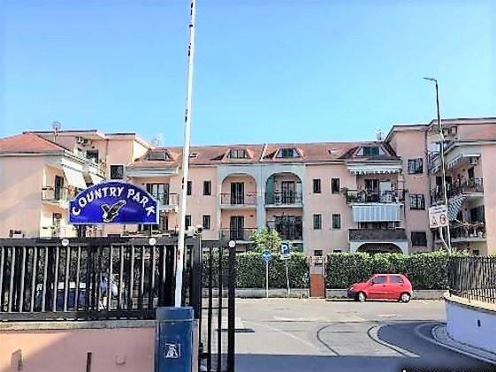 Appartamento in buone condizioni in vendita Rif. 8607570