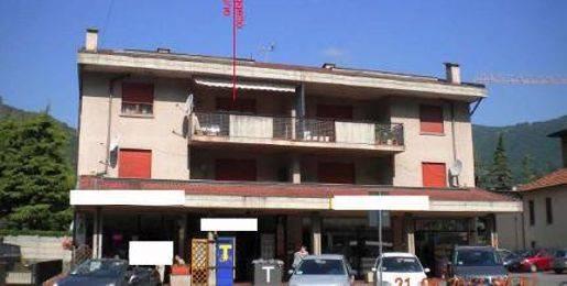 Appartamento in buone condizioni in vendita Rif. 8611118