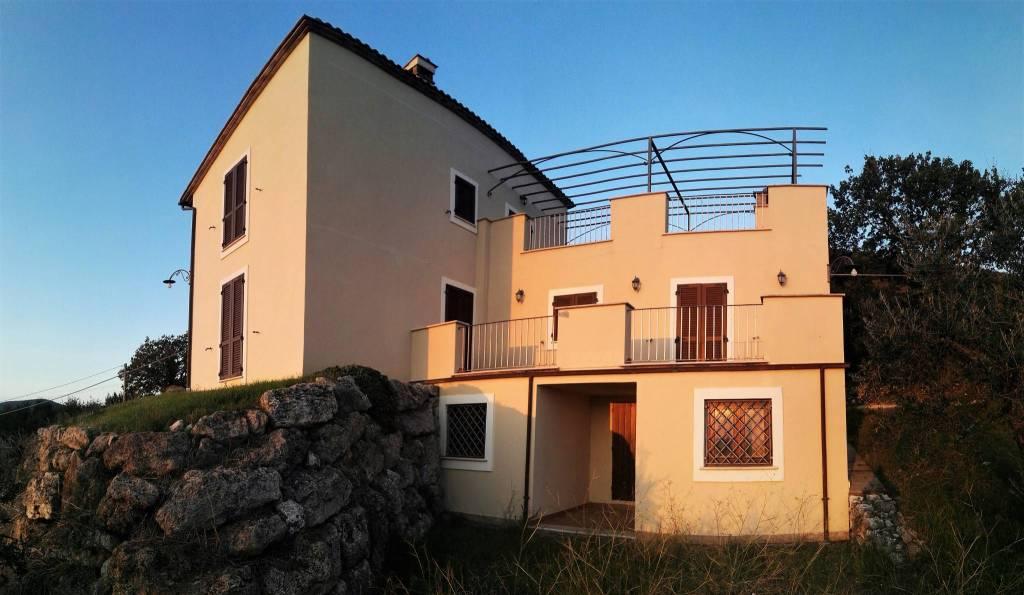 Villa 5 locali in vendita a Lugnano in Teverina (TR)