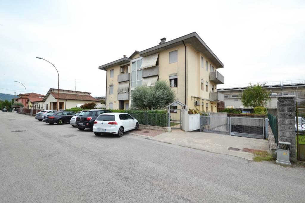 Appartamento in ottime condizioni in vendita Rif. 8607778