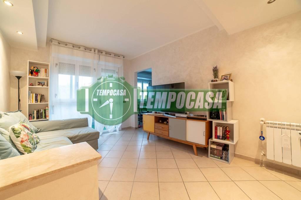 Appartamento in ottime condizioni in vendita Rif. 8927410