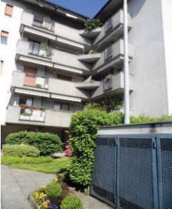 Appartamento in buone condizioni in vendita Rif. 9448577