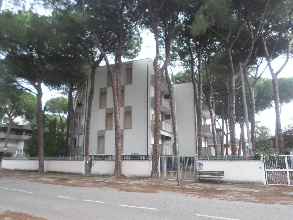 Appartamento in buone condizioni arredato in vendita Rif. 9146169