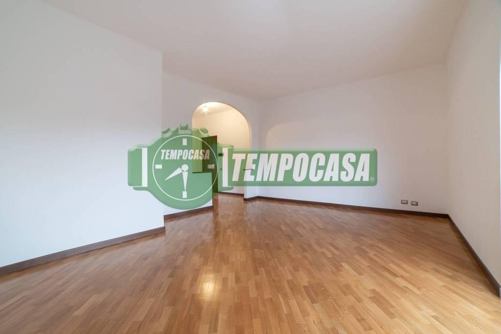 Appartamento in ottime condizioni in vendita Rif. 8927411