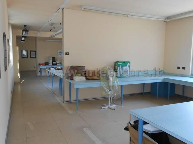 Ufficio / Studio in affitto a Parabiago, 6 locali, Trattative riservate | PortaleAgenzieImmobiliari.it