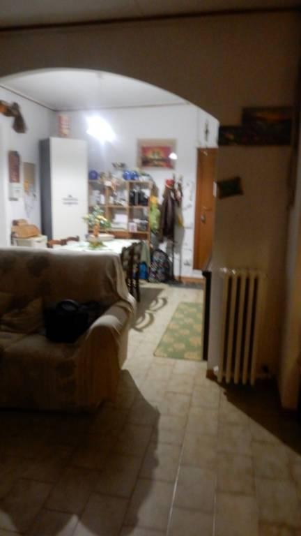 Appartamento in buone condizioni arredato in affitto Rif. 8605491