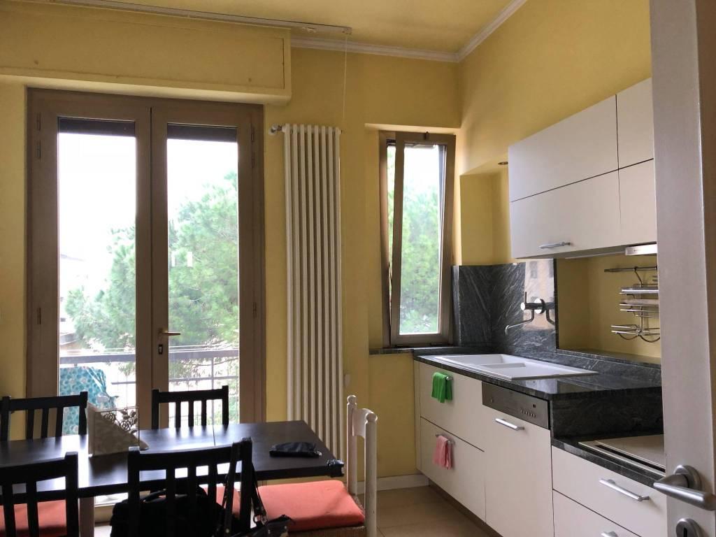Appartamento in ottime condizioni arredato in affitto Rif. 8609900