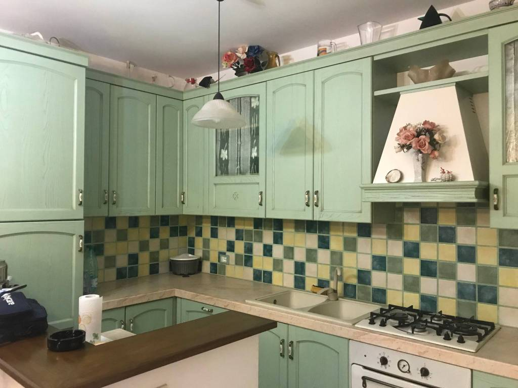 Appartamento in ottime condizioni arredato in affitto Rif. 8608702