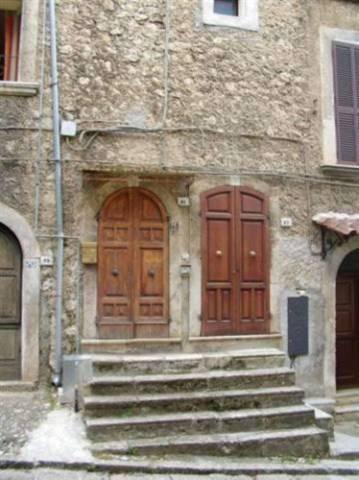 Appartamento in buone condizioni in vendita Rif. 4537894