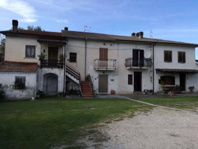 Appartamento in buone condizioni parzialmente arredato in vendita Rif. 4537846