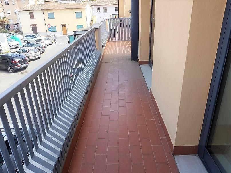 Appartamento in buone condizioni in affitto Rif. 8605604