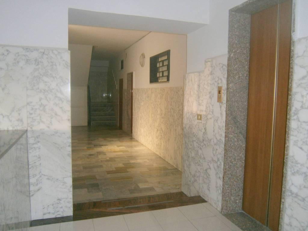 Appartamento in ottime condizioni arredato in affitto Rif. 8609024
