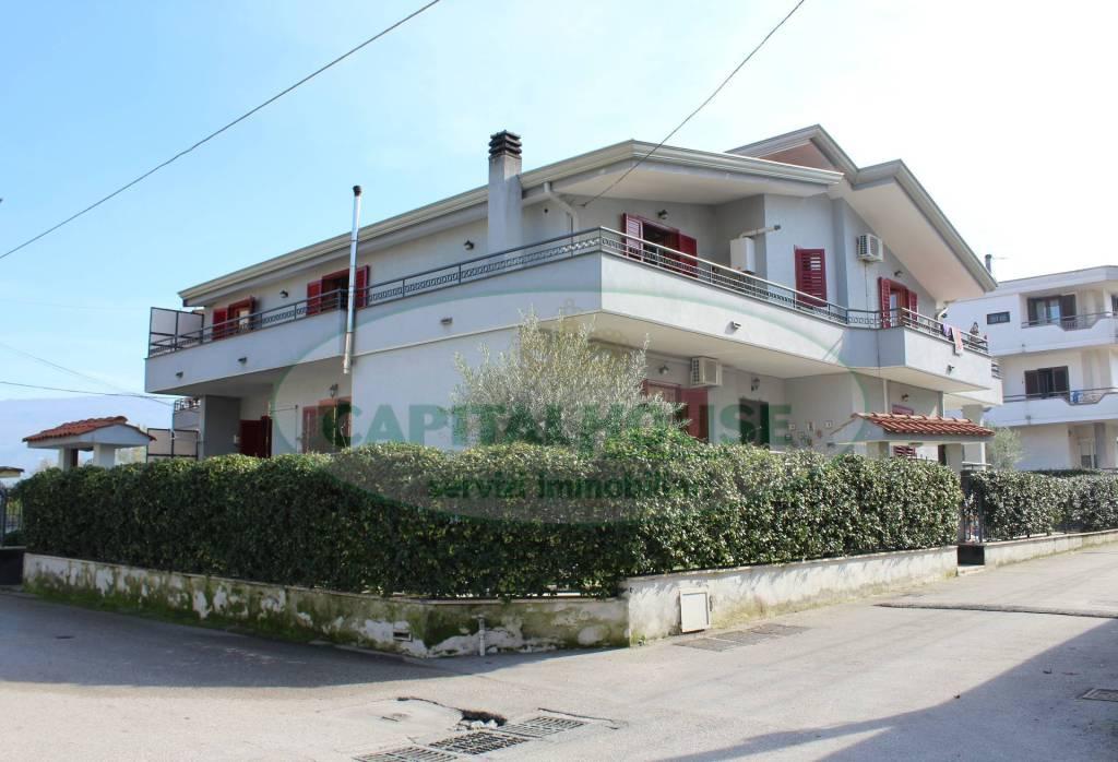 Villa in ottime condizioni in vendita Rif. 8605534