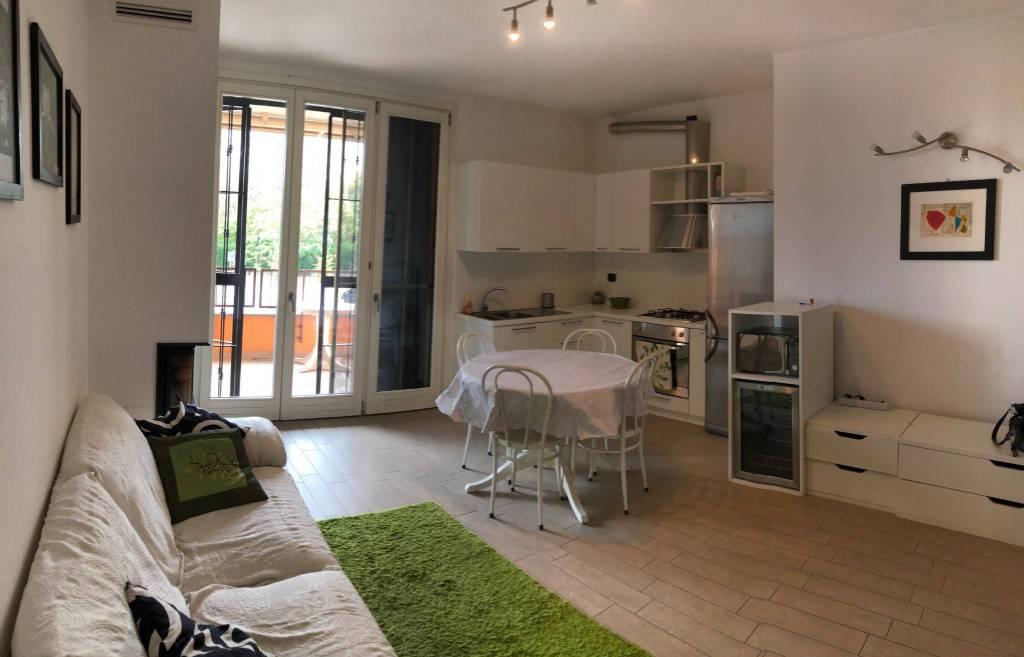 Appartamento in affitto a Trezzano Rosa, 3 locali, prezzo € 700 | PortaleAgenzieImmobiliari.it