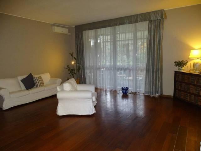 Appartamento in buone condizioni in vendita Rif. 7296519