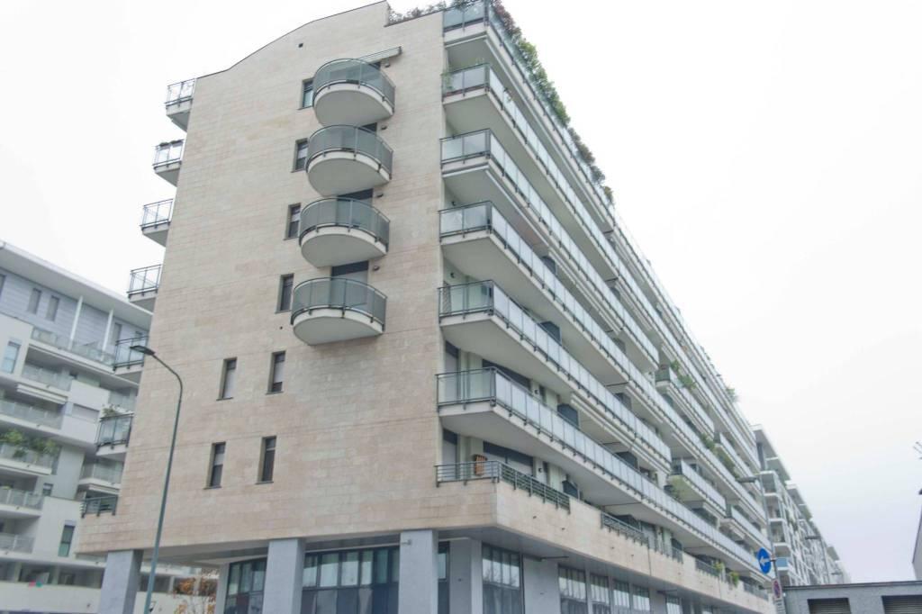 Appartamento in vendita 2 vani 52 mq.  via Francesco Pizzolpasso Milano