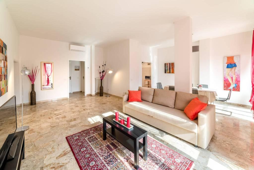 Appartamento in ottime condizioni arredato in affitto Rif. 8611126