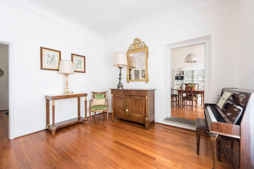 Appartamento in ottime condizioni arredato in affitto Rif. 8611129
